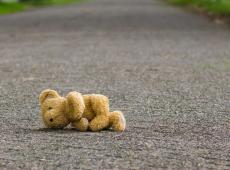 Teddybeer op straat