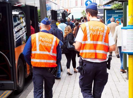 Politieagenten aan het werk