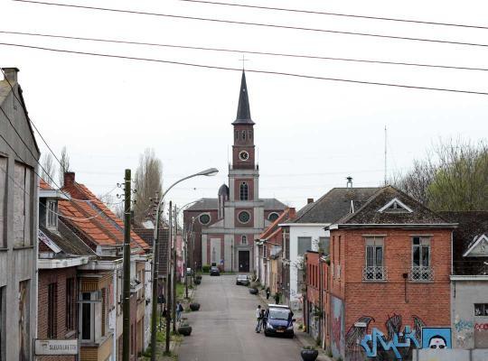 Spookstad Doel - zicht op kerk
