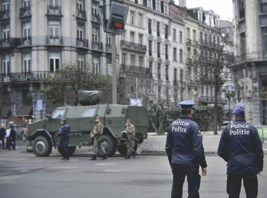 Politie en militairen in het straatbeeld